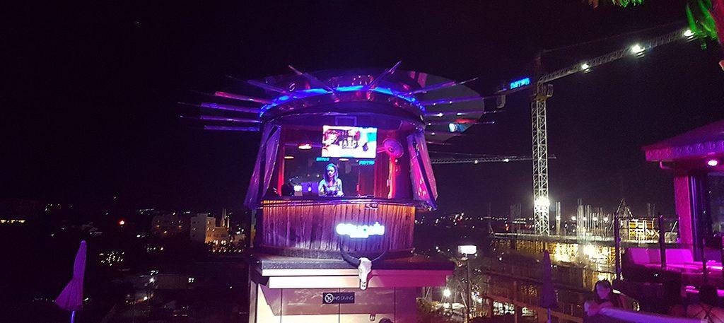 DJ booth Aqua